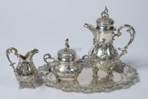 A four piece selfish service in the Louis XV style…