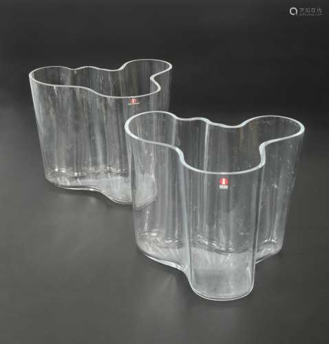 Alvar Aalto for Iitala, a pair of clear glass Savoy vases,