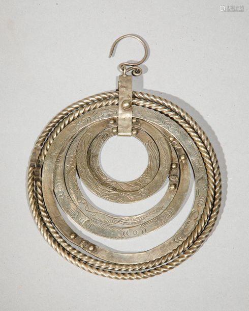 Boucle d'oreille à six anneaux en argent bas titre…