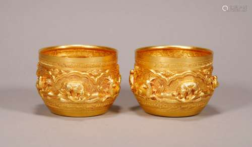 Yuan Dynasty -  Pair of Pure Gold Wine Cups