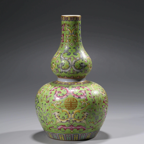 A FAMILLE ROSE DOUBLE-GOURD VASE WITH THE MARK