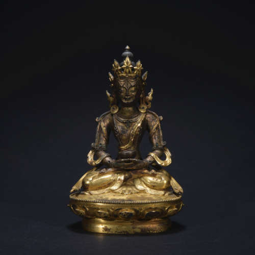 A gilt-bronze statue of the Buddha of Immeasurable Life