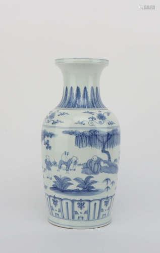 A BLUE AND WHITE FIGURE PORCELAIN VASE