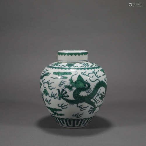 A DOUCAI GREEN DRAGON PORCELAIN JAR
