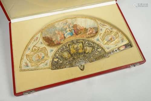 Superbe éventail Louis XVI à décor aquarellé de réserves à l...