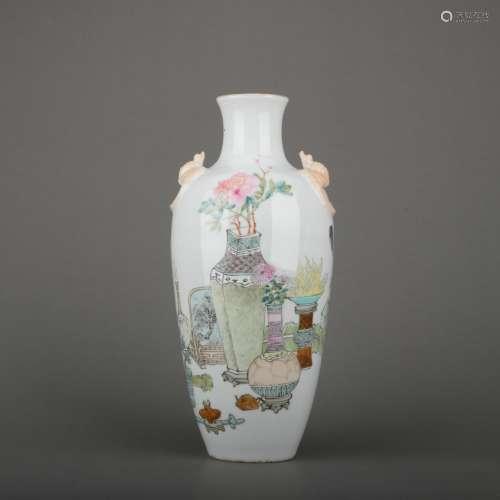 A Wu cai 'floral' vase