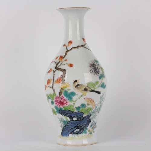 A Famille rose flowers&birds olive vase