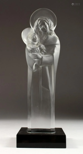A LARGE LALIQUE CRYSTAL MADONNA AND CHILD, CIRCA 1950