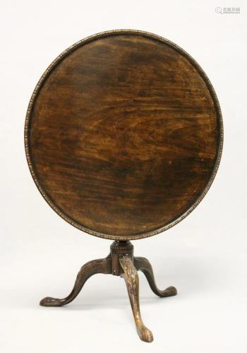 A GEORGE III MAHOGANY CIRCULAR TILT TOP TRIPOD TABLE,
