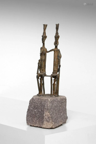 Arte africana A bronze royal family sculpture,