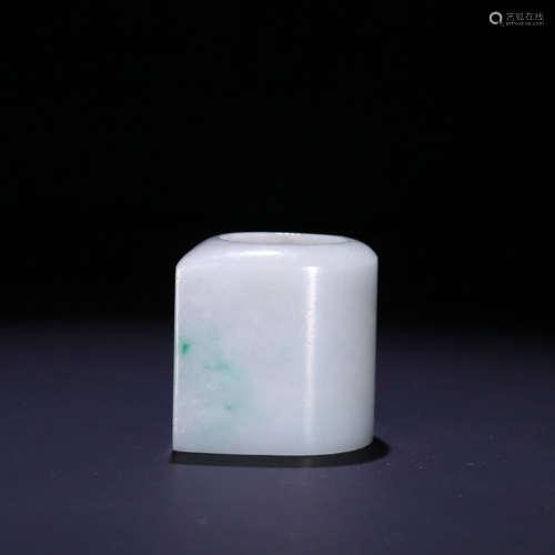 A jadeite thumb ring