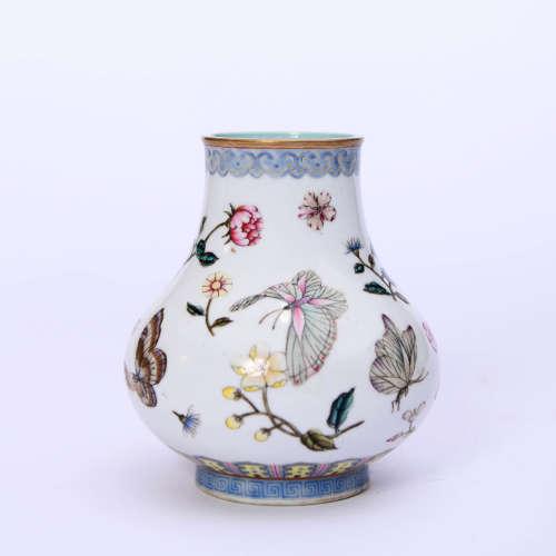 粉彩花蝶紋瓶