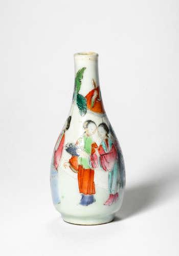 A Famille Rose Porcelain Vase, Qing Dynasty