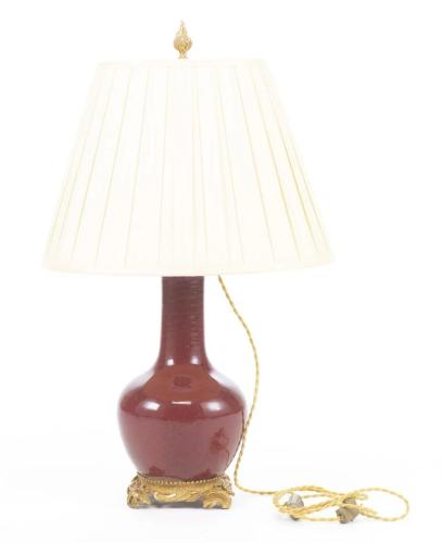 Lampe en porcelaine sang de boeuf, Chine, XIXe