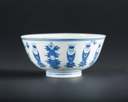 Arte Cinese A blue and white porcelain bowl painted