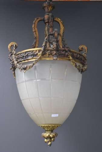 Lanterne de hall en bronze et verre dépoli. Style Napoléon I...