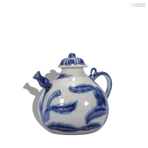 A blue and white 'floral' pot
