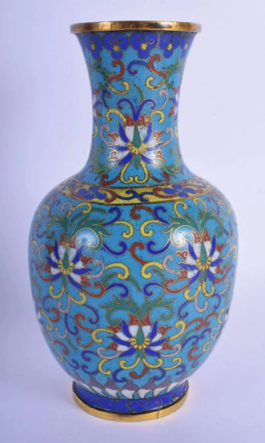 A LATE 18TH/19TH CENTURY CHINESE CLOISONNE ENAMEL VASE