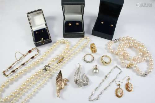 A QUANTITY OF JEWELLERY including three cultured pearl brace...