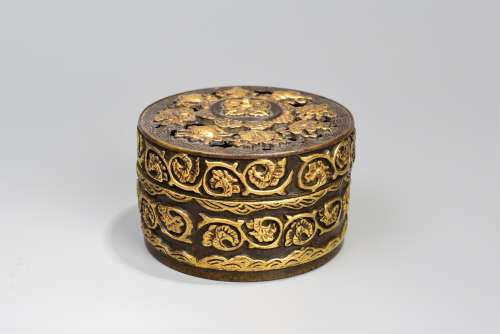 A Gilt Buddha's Eight Treasures Pattern Bronze Round Box