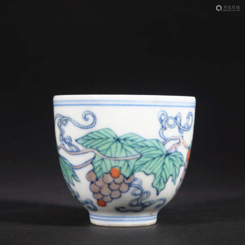 A DouCai 'fruits' cup