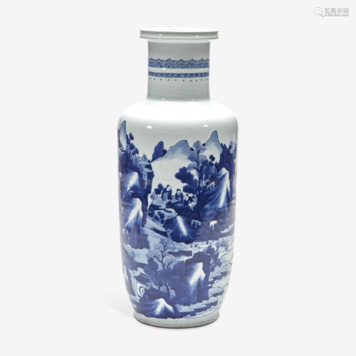 A Chinese blue and white porcelain rouleau vase 青