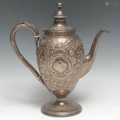 Cafetière ovoïde en argent de style chinois George III, orné...