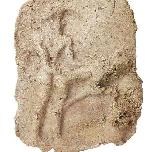 Tablette d'argile cuite mésopotamienne avec une scène érotiq...