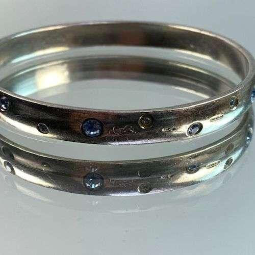 YVES SAINT LAURENT- Bracelet YSL en argent orné de strass bl...