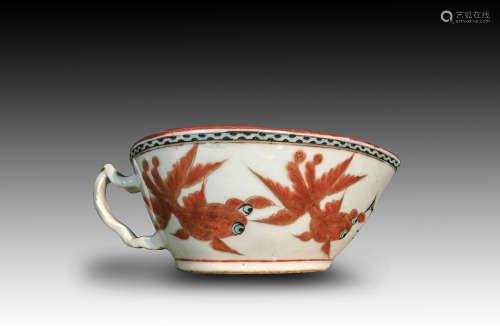 清代金鱼纹瓷碗