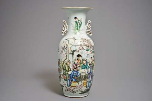 A CHINESE QIANJIANG CAI TWO-SIDED DESIGN VASE, 19/20TH C.