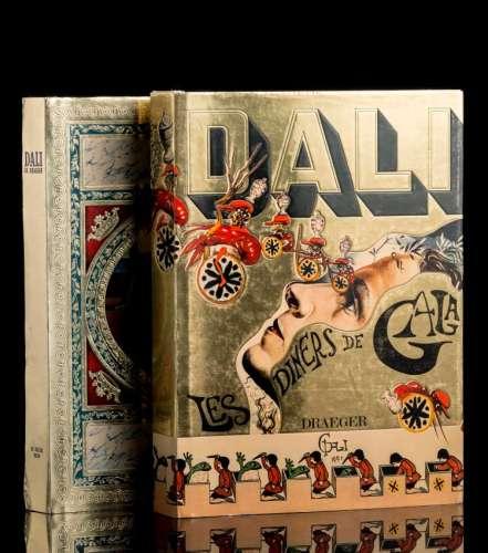 Ensemble de deux ouvrages sur Dali