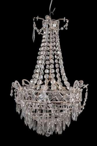 Suspension de forme fontaine en métal et pendeloques en cristal de France