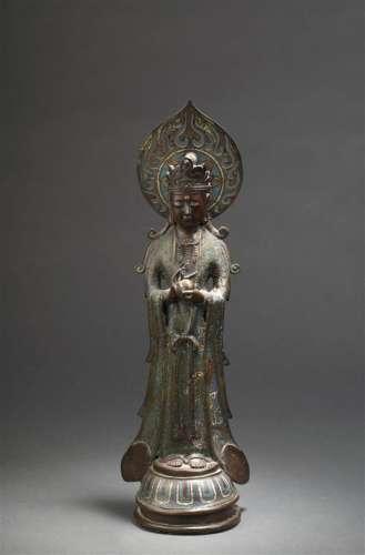 Statue de boddhisattva en bronze etémaux champlevé...