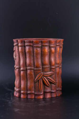 A Chinese Glazed Porcelain Brush Pot