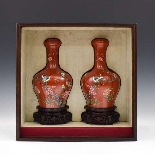 PAIR YONGZHENG ENAMELED MAGPIE & PEONY RUBY RED VASES IN BOX