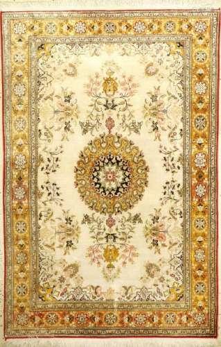 Silk Qum Rug (Antique-Washed),