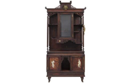 VIARDOT GABRIEL (1830 - 1906) fraai vitrinemeubel in de typische chinoiserie-stijl en [...]
