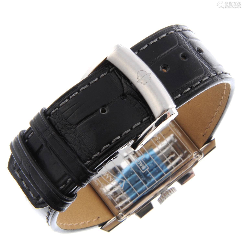 BAUME & MERCIER - a gentleman's Hampton chronograph wrist watch.