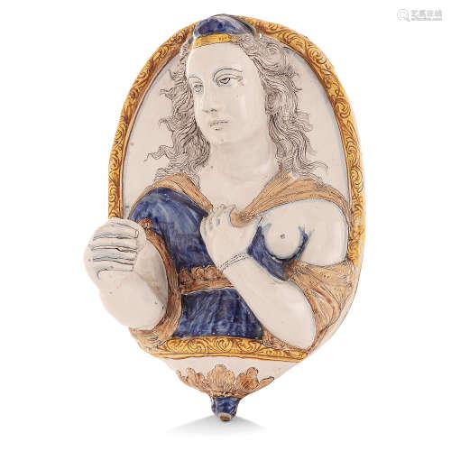 APPLIQUE FORMANT BRAS DE LUMIÈRE EN FAÏENCE, NEVERS, XVIIeSIÈCLE
