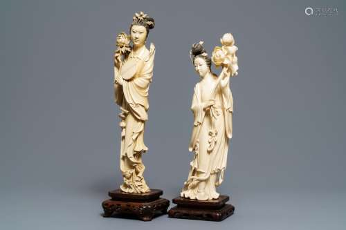 Two tall Chinese ivory carvings of ladies with flowers, 19th C.