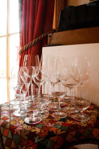 10 SET OF WINE GLASSES 10 套超薄玻璃红酒杯 ( 共 119 隻 )