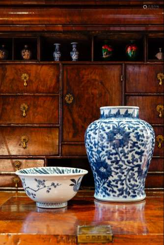 A BLUE AND WHITE JAR/A BLUE AND WHITE PORCELAIN BOWL 清 青花缠枝莲纹将军罐 / 青花松竹梅纹碗