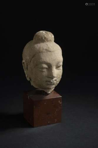 Tête de bouddha en stuc Art gréco bouddhique du Ga...;