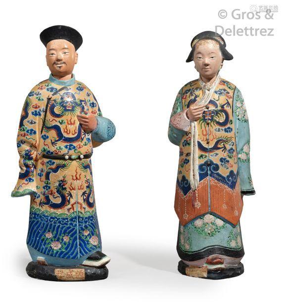 Chine, XIXe siècle Deux figurines en terre cuite p…