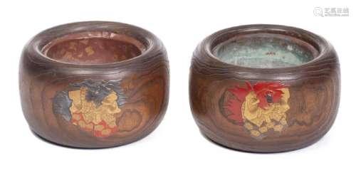 2 cache-pots du Japon en bois nervuré