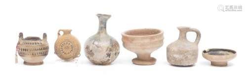 Ensemble de petites pièces archéologiques
