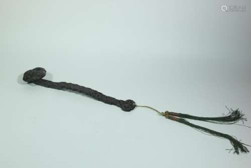 A CARVED AGALLOCH WOOD RUYI SCEPTER.ANTIQUE