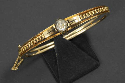 Antiek' bracelet met esclavemodel in geelgoud (18 karaat) met een sierstuk bezet met [...]