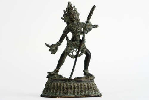 Goede antieke Tibetaanse sculptuur in brons met de tantrische voorstelling van de [...]